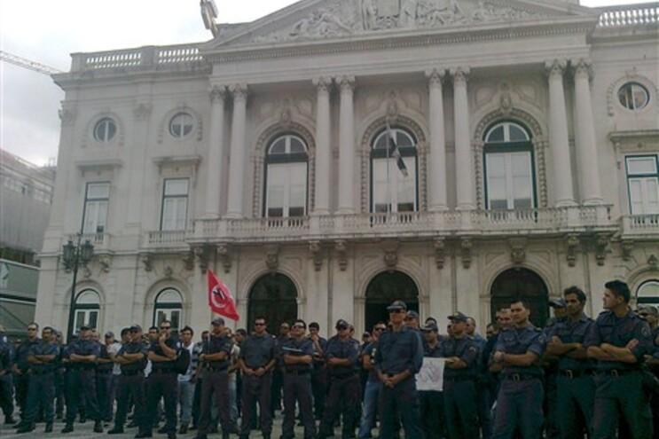 Bombeiros Sapadores admitem recurso à greve
