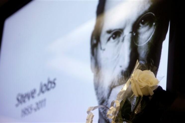 Steve Jobs morreu de paragem respiratória