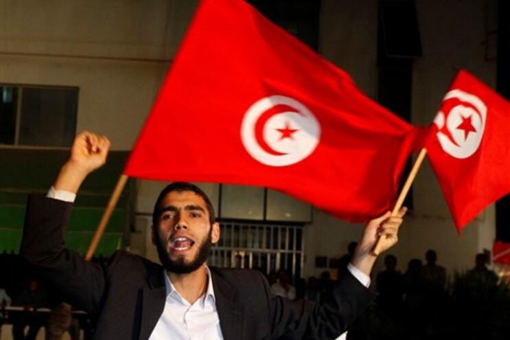 """Tunísia foi o primeiro país da """"Primavera Árabe"""" a ir a votos"""