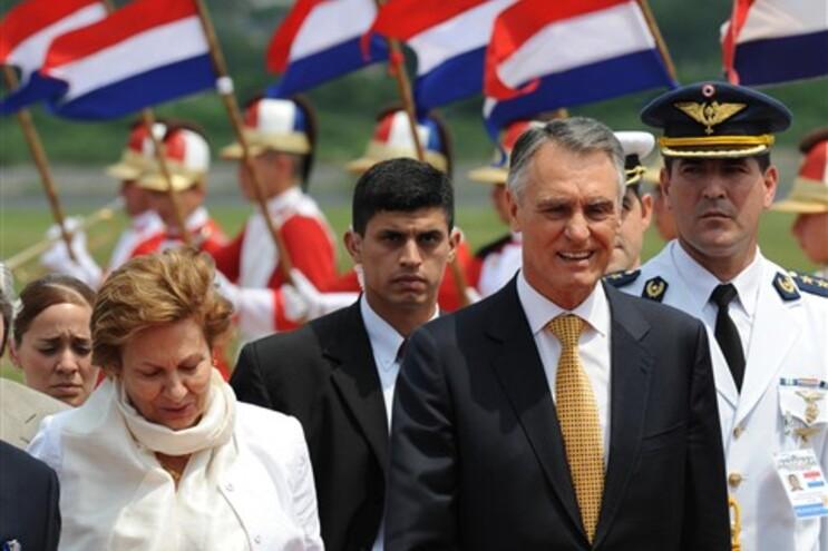 Cavaco Silva à chegada ao Paraguai
