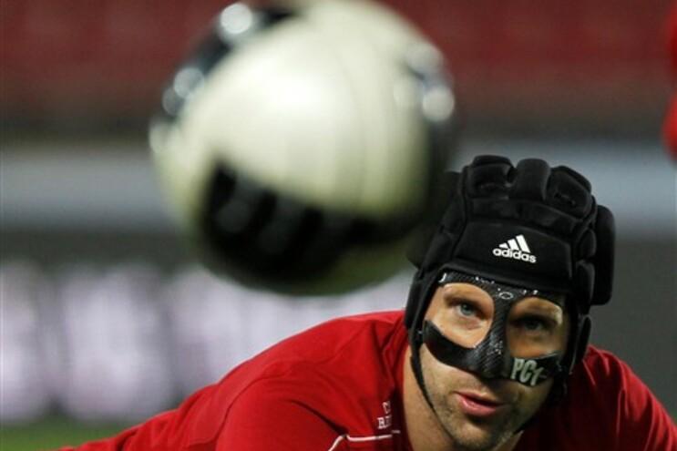 Guardião checo Petr Cech operacional para jogos com Montenegro