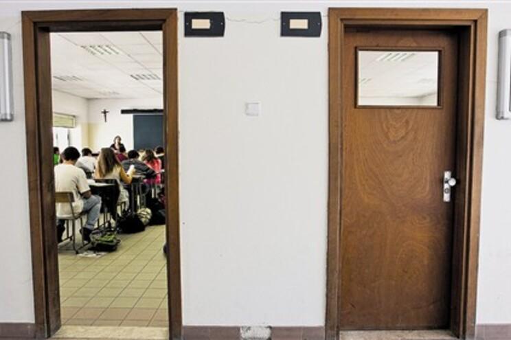Professores temem aumento de desemprego entre os docentes de EVT
