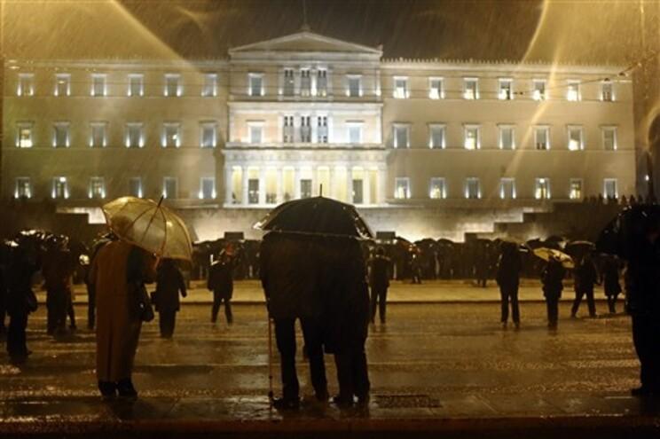 Grécia quase paralisada devido à primeira greve geral deste ano
