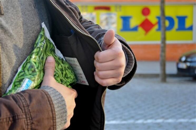 Lidl tem de pagar 200 euros para julgar furto de 77 cêntimos