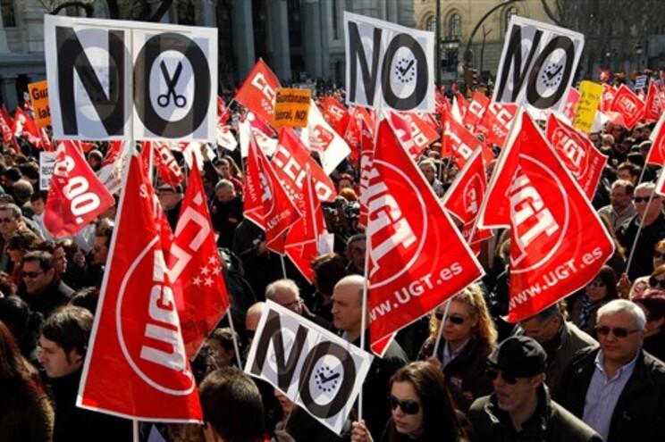 Espanhóis saíram à rua contra nova reforma laboral