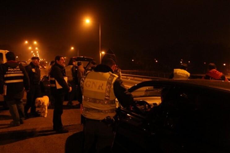 Cerca de 500 polícias em megaoperação que deteve 49 pessoas no Porto