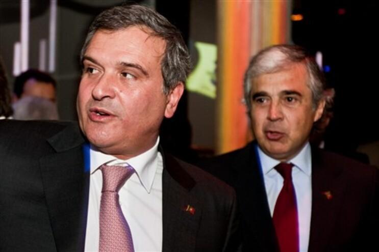 """Relvas recordou que foi o PS que negociou """"parte significativa da receita financeira"""" com a """"troika""""."""