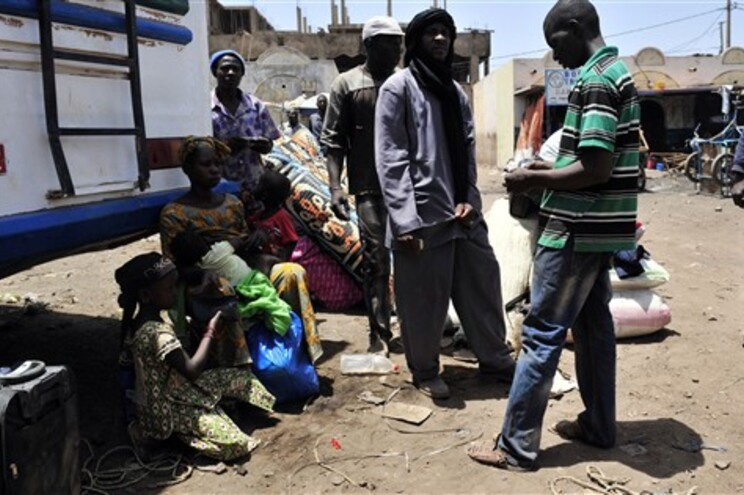 Malianos que fugiram de Timbuktu para Bamako