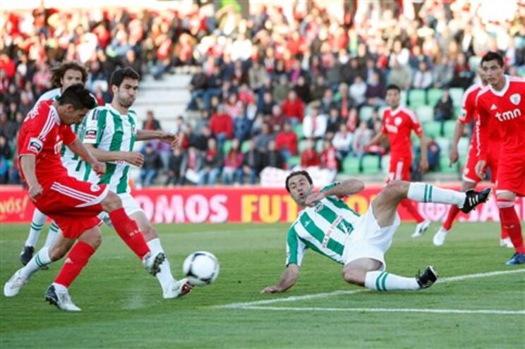 Empate do Benfica entrega o título ao F. C. Porto