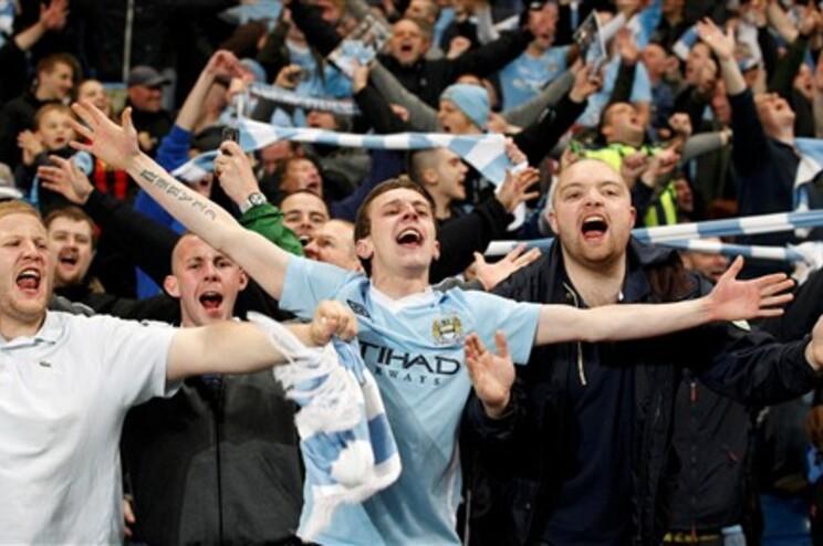 Manchester City na frente do campeonato a dois jogos do fim