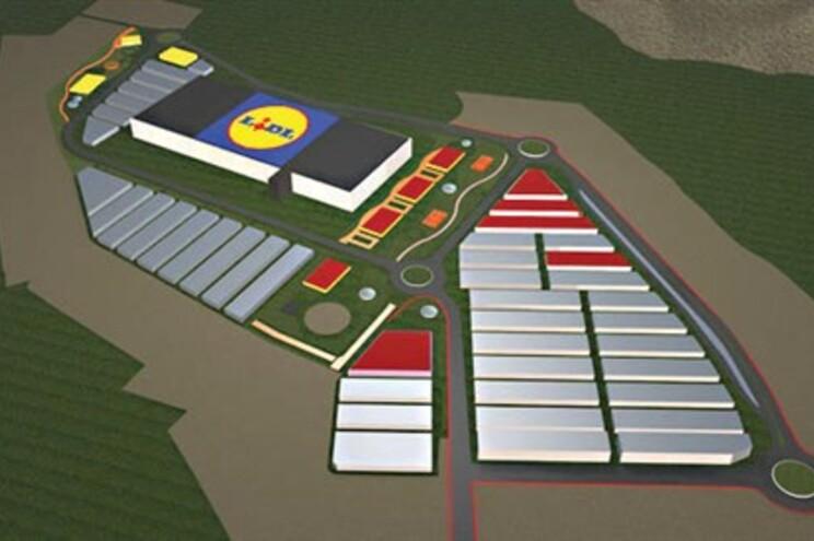 10 campos de futebol de alimentos empregam 250
