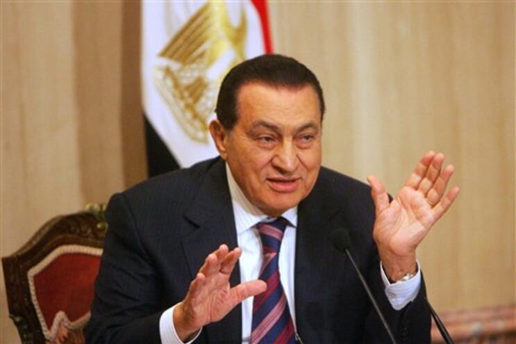 Hosni Mubarak morreu 17 dias após ter sido condenado a prisão perpétua