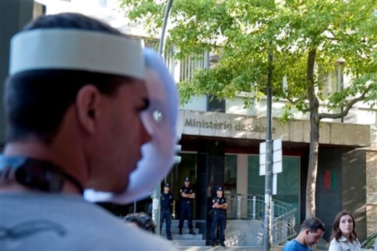 Língua alemã dificulta recrutamento de médicos e enfermeiros portugueses