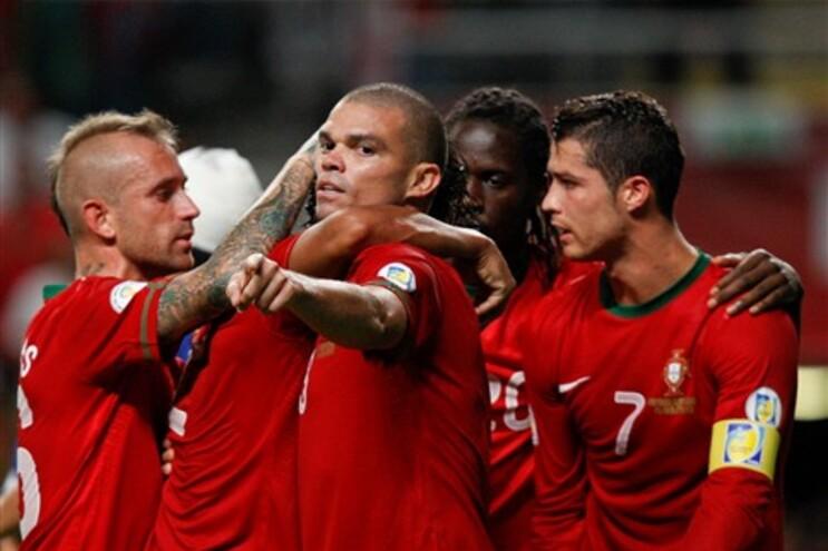 Meireles, Bruno Alves, Pepe, Eder e Ronaldo festejam golo