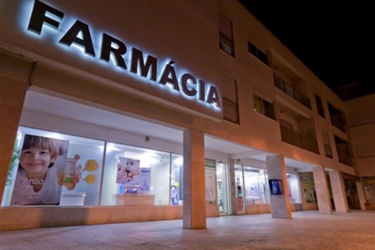 Associação estima encerramento de 600 farmácias em 2013