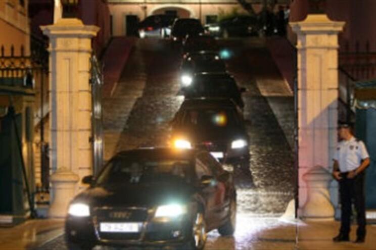 Conselheiros foram assobiados pelos manifestantes, à saída do Palácio de Belém