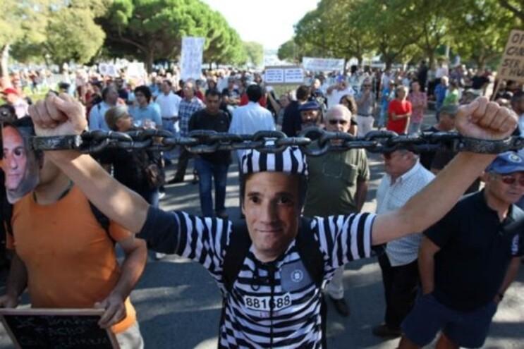 Protesto em Belém durante o Conselho de Estado