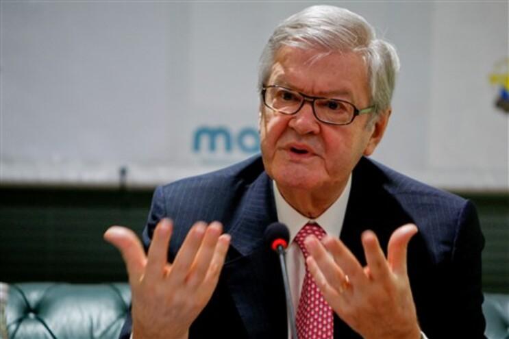 """Vivemos ao nível do insulto"", critica Soares dos Santos"