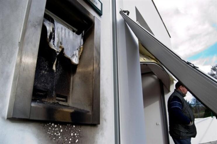 Duas caixas Multibanco assaltadas com recurso a explosivos