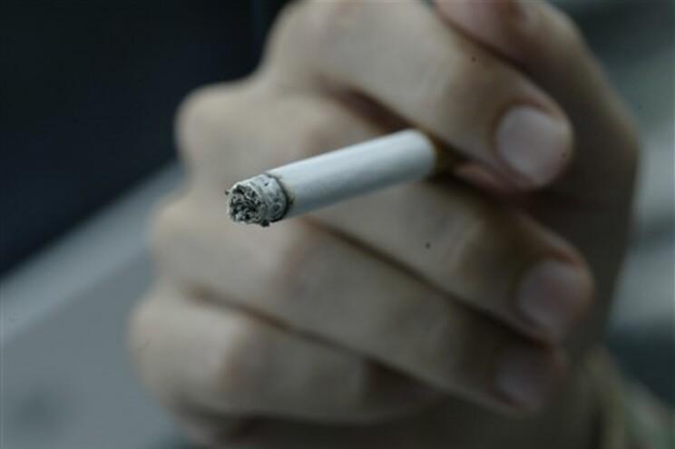 Cigarros, tabaco de enrolar e charutos vão sofrer aumento de impostos