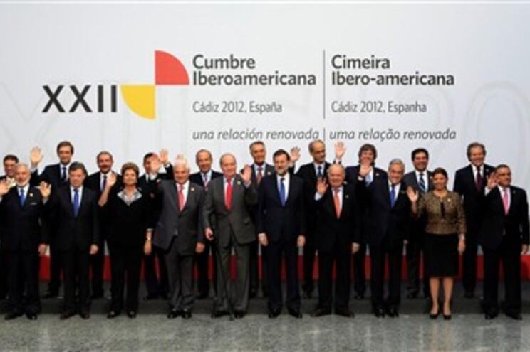 Passos Coelho está em Cádis, na Cimeira Ibero-Americana