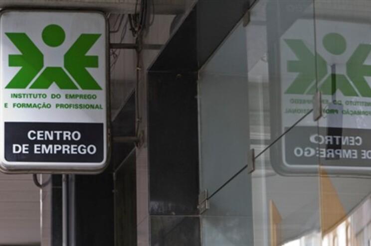 """Líder do CDS de Viana diz que IEFP dá emprego a """"desempregados políticos"""""""