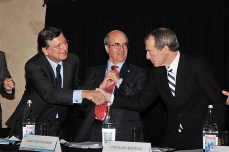 """Durão Barroso elogia """"notável"""" trabalho de Menezes em Gaia"""
