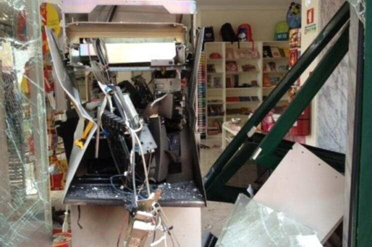 Explosão causou danos elevados na papelaria