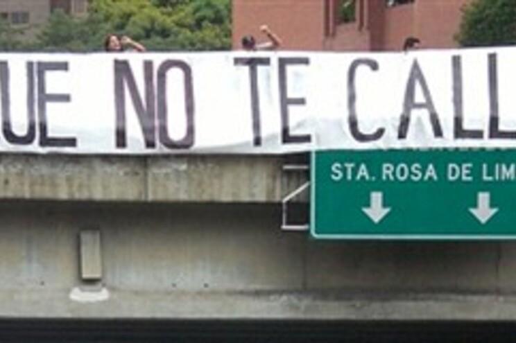 Faixa alusiva à Cimeira Ibero-Americana no Chile