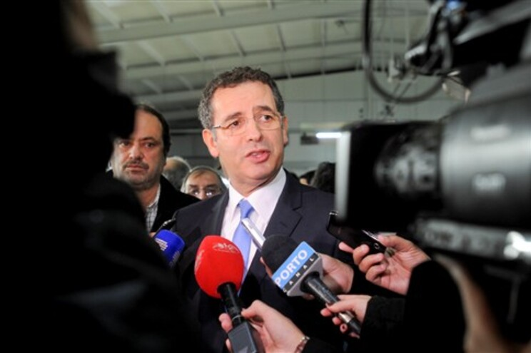 PS foi obrigado a acelerar a preparação de um programa de Governo alternativo