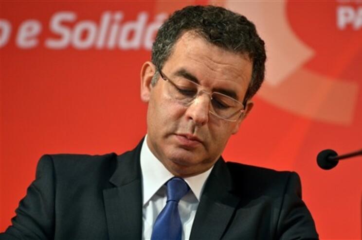 António José Seguro promete falar sobre data do congresso na terça-feira