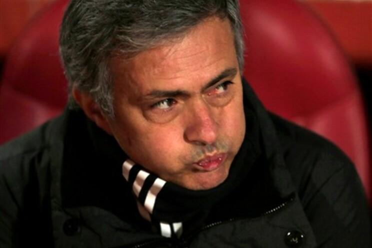 """José Mourinho diz que a primeira parte do Real Madrid em Granada foi """"horrível"""""""