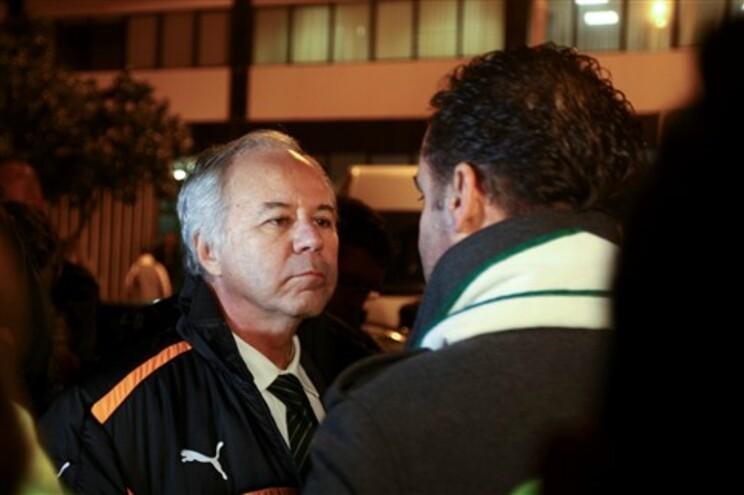 """Godinho Lopes quer """"enterrar o machado de guerra"""" no Sporting"""