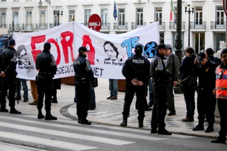 Protestos contra o primeiro-ministro