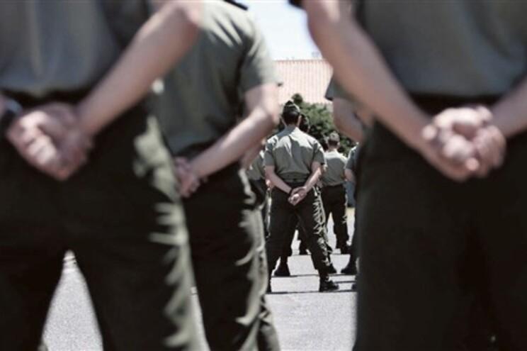 """Militares participam """"como cidadãos"""" na manifestação de sábado"""