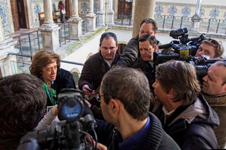 Ferreira Leite diz que Governo enjeitou a taluda que lhe saiu com veto do TC