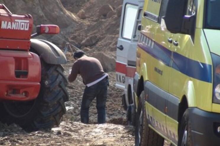 Em abril de 2012, um homem morreu soterrado num acidene de trabalho em S. Félix da Marinha, Vila Nova