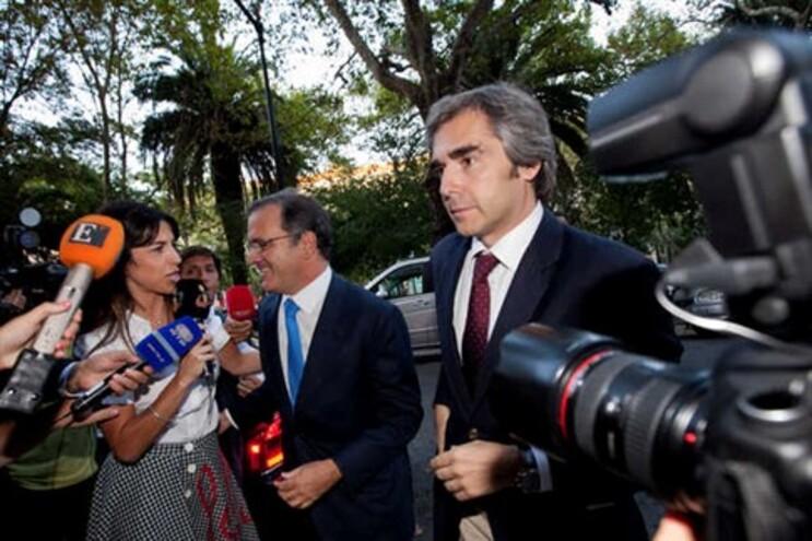 Bruxelas admite conversão em ações de depósitos acima de 100 mil euros