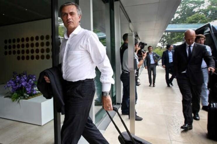 """Mourinho desfaz Pepe: """"O problema é... Varane!"""""""