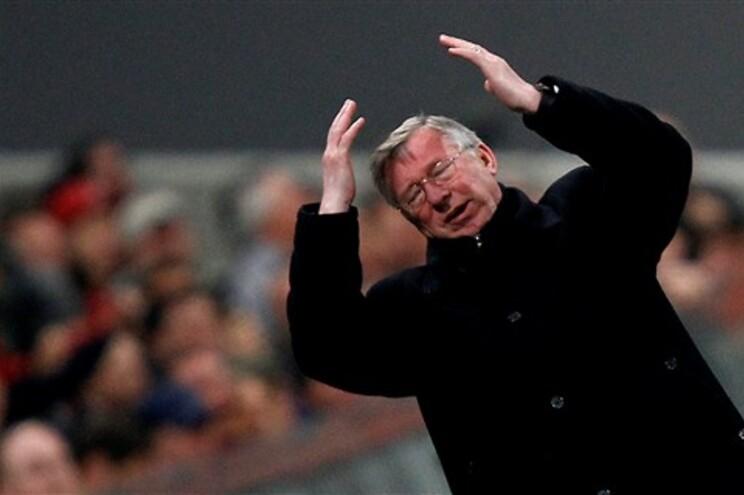 Alex Ferguson anuncia que vai deixar o Manchester United