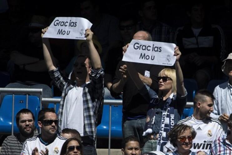 Mourinho despede-se do Real Madrid entre aplausos e assobios