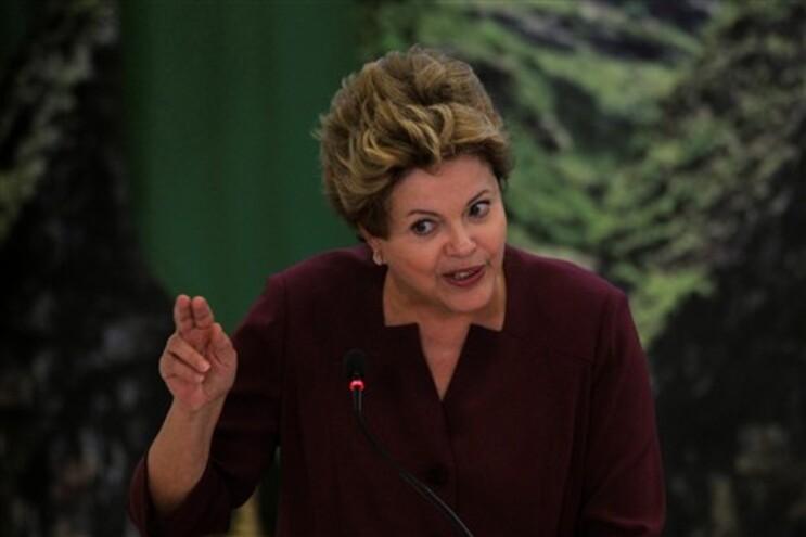 Presidente do Brasil diz que manifestantes enviaram mensagem direta aos governantes