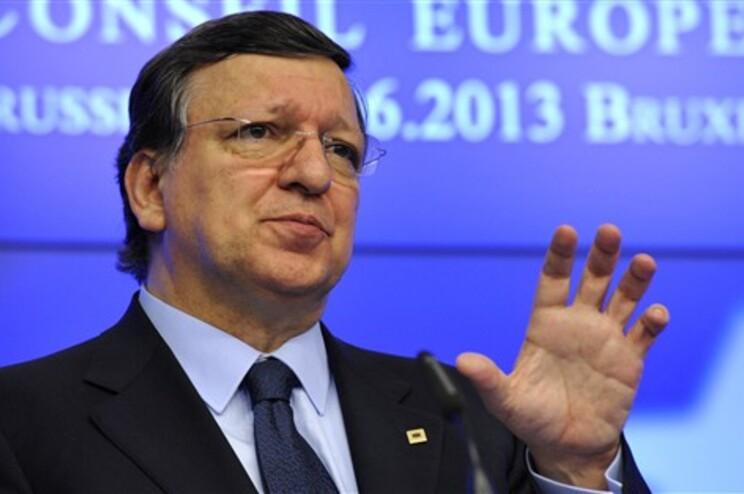 """Ministra francesa diz que Durão Barroso """"não fez nada"""" na Comissão Europeia"""