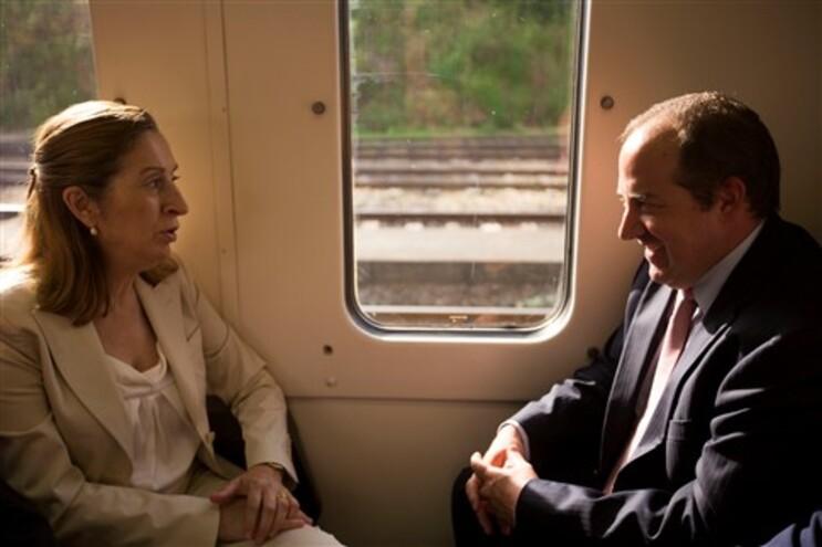 Ministra espanhola Ana Pastor e ministro Álvaro Santos Pereira