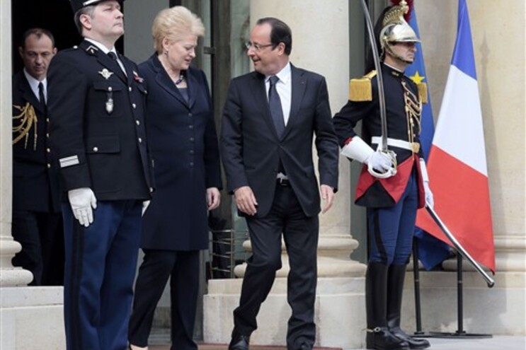 François Hollande recebeu a homóloga lituana, Dalia Grybauskaite