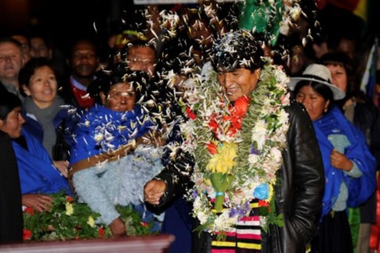Evo Morales foi recebido como um herói