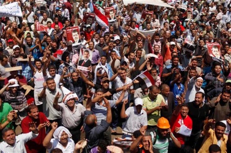 Manifestação nas ruas do Cairo