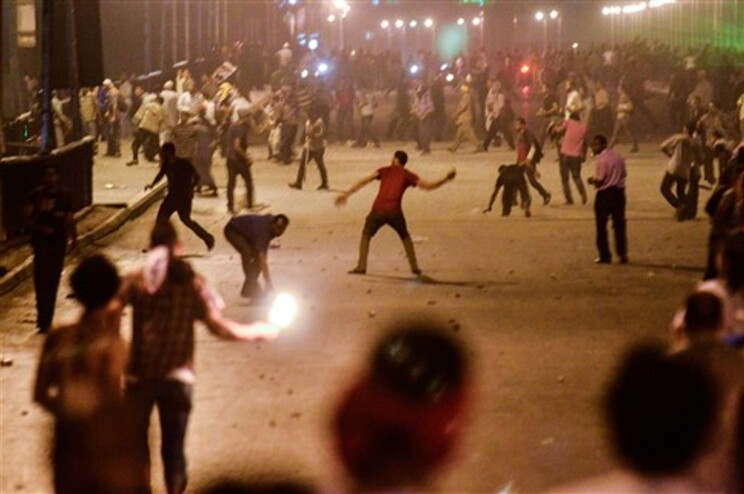 Revoltas nas ruas do Cairo