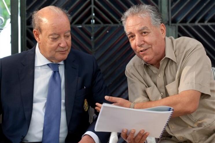 O presidente do F. C. Porto, Pinto da Costa, foi recebido pelo embaixador de Portugal na Venezuela, Mário
