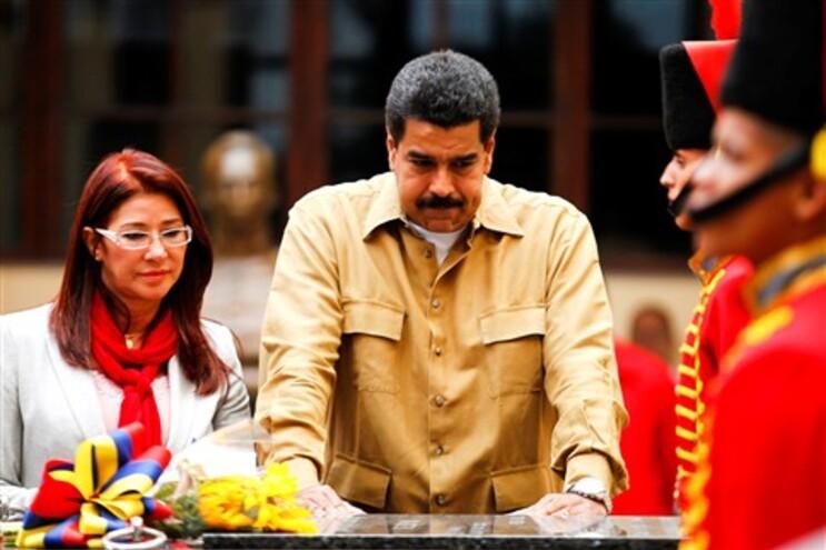 Maduro visitou túmulo de Chávez